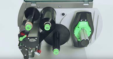 A+ Serie - Einlegen von außen gewickelter Thermotransferfolie